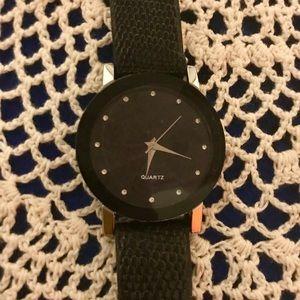 Accessories - Women's Quartz Watch